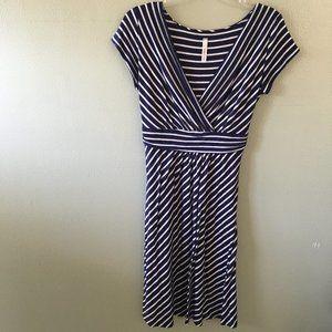 gilli striped v-neck dress